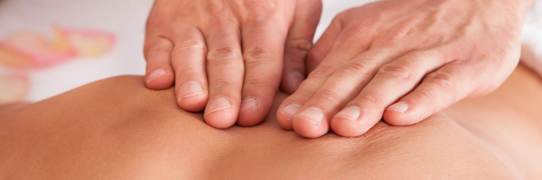 Mains de l'ostéopathe