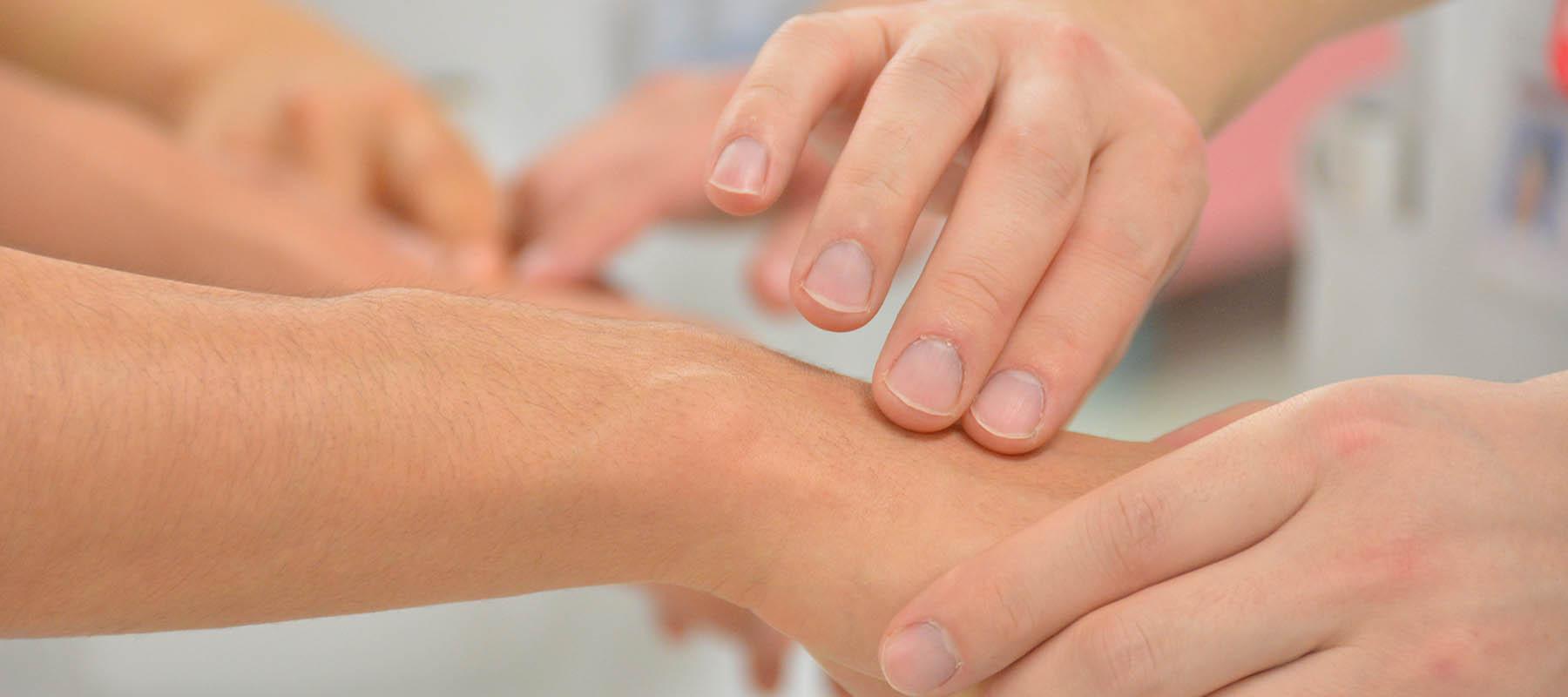 Traitement ostéopathique de la tête au pied